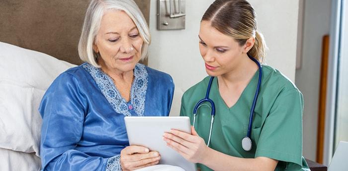 مراقبت از سالمند بیمار به طور صحیح