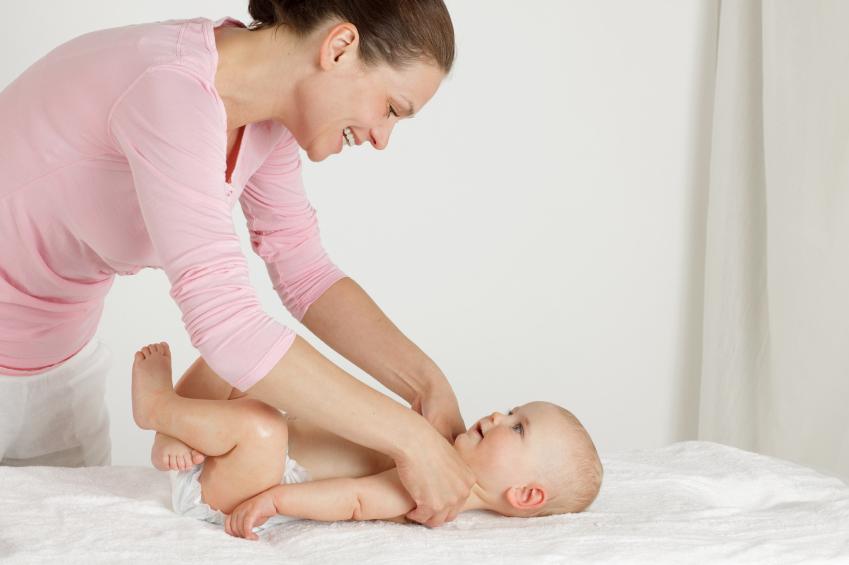 مراقبت-و-نگهداری -ز-کودک-در-خانه-ای-امن-و-آرام-توسط-پرستار