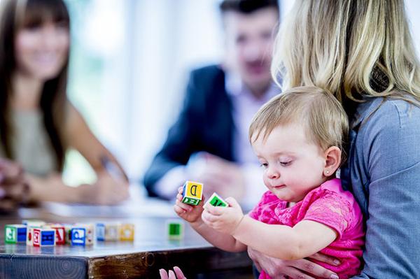 مسئولیتهای پرستار کودک در منزل